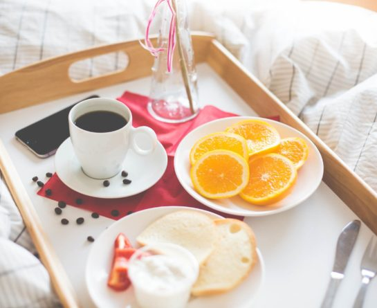 Fresh & Romantic Morning Breakfast in Bed